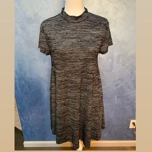 Francesca's Short Sleeve Gray & black Knit Dress